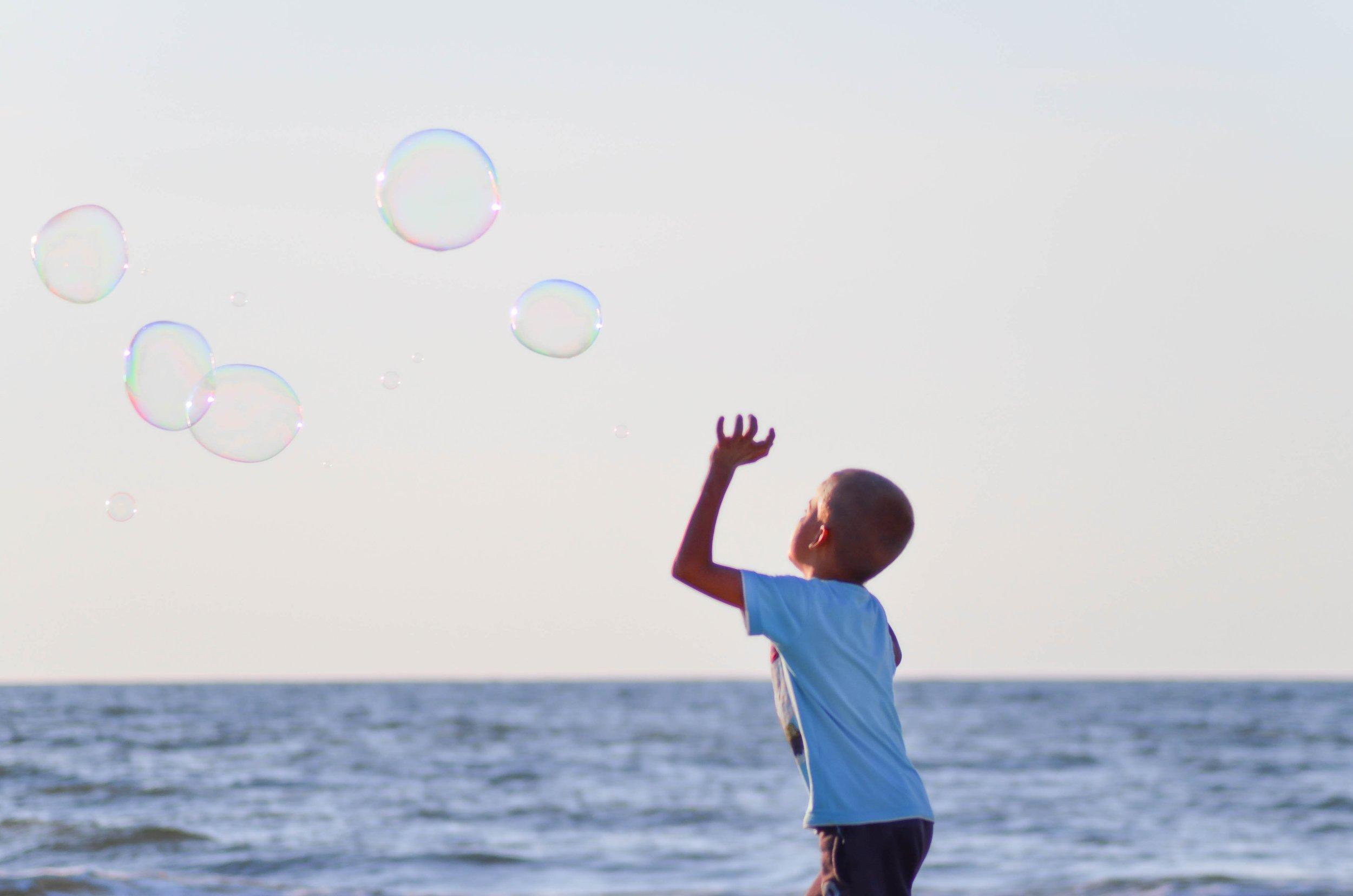 beach-boy-bubbles-106684.jpg