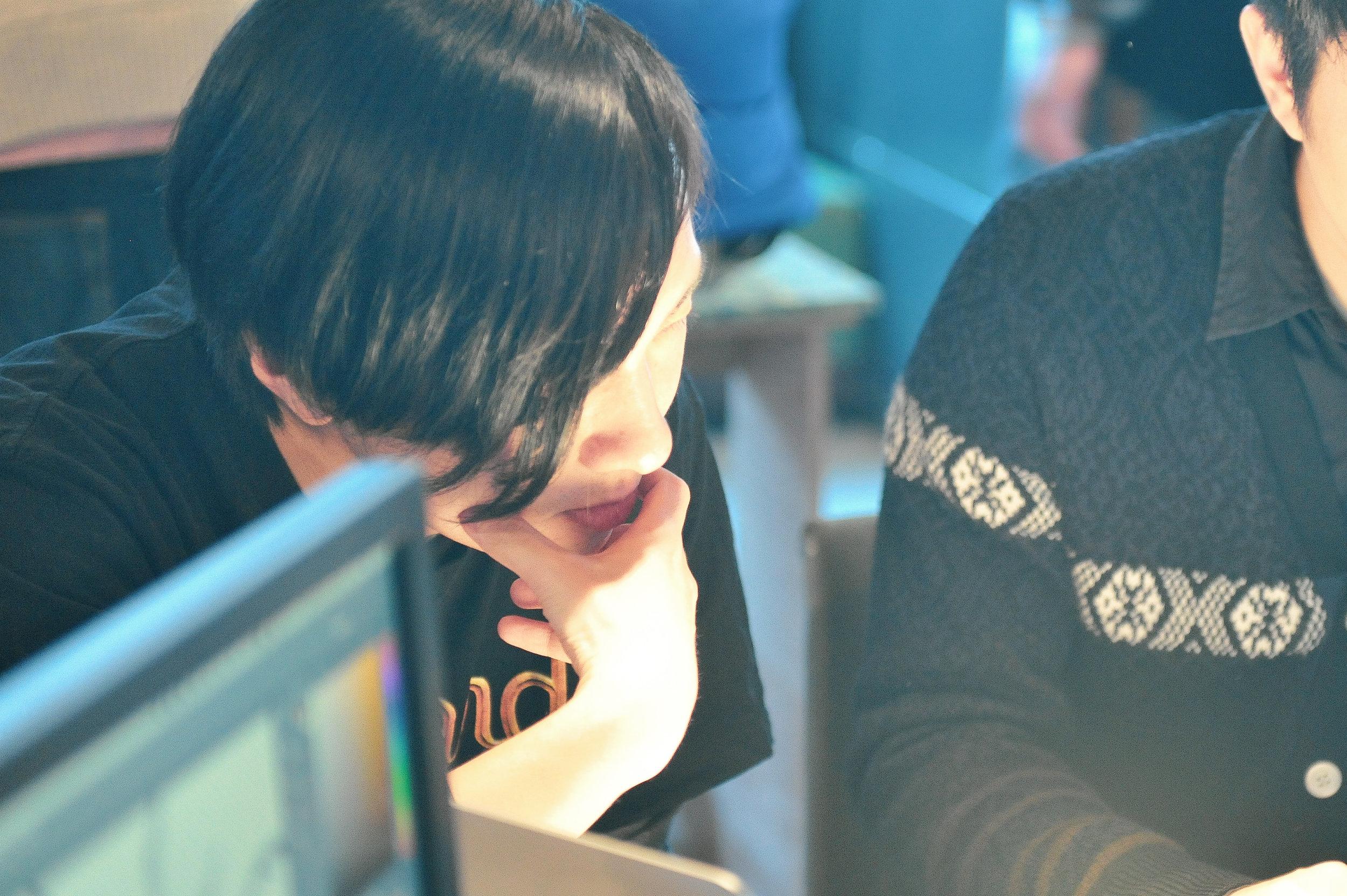 山本 晋平(Shimpei Yamamoto) - 取締役Game Developer / Web Engineer経歴2010-2015年まで、 Konami Dedital Entertaiment にてコンシューマーゲーム開発にプランナー、レベルデザイナーとして従事2015年から、株式会社SKYS を立ち上げ、取締役として活動開始2015-2017年まで、株式会社 Pastoral Dog にて Web エンジニアとして従事現在プランナーとしてコンシューマゲーム開発に従事取得ライセンスCertified ScrumMasterCertified Scrum Product OwnerCertified Scrum DeveloperCertified LeSS PractitionerRuby Silver