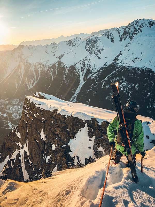 Marion Haerty sommet montagne snowboard .jpg