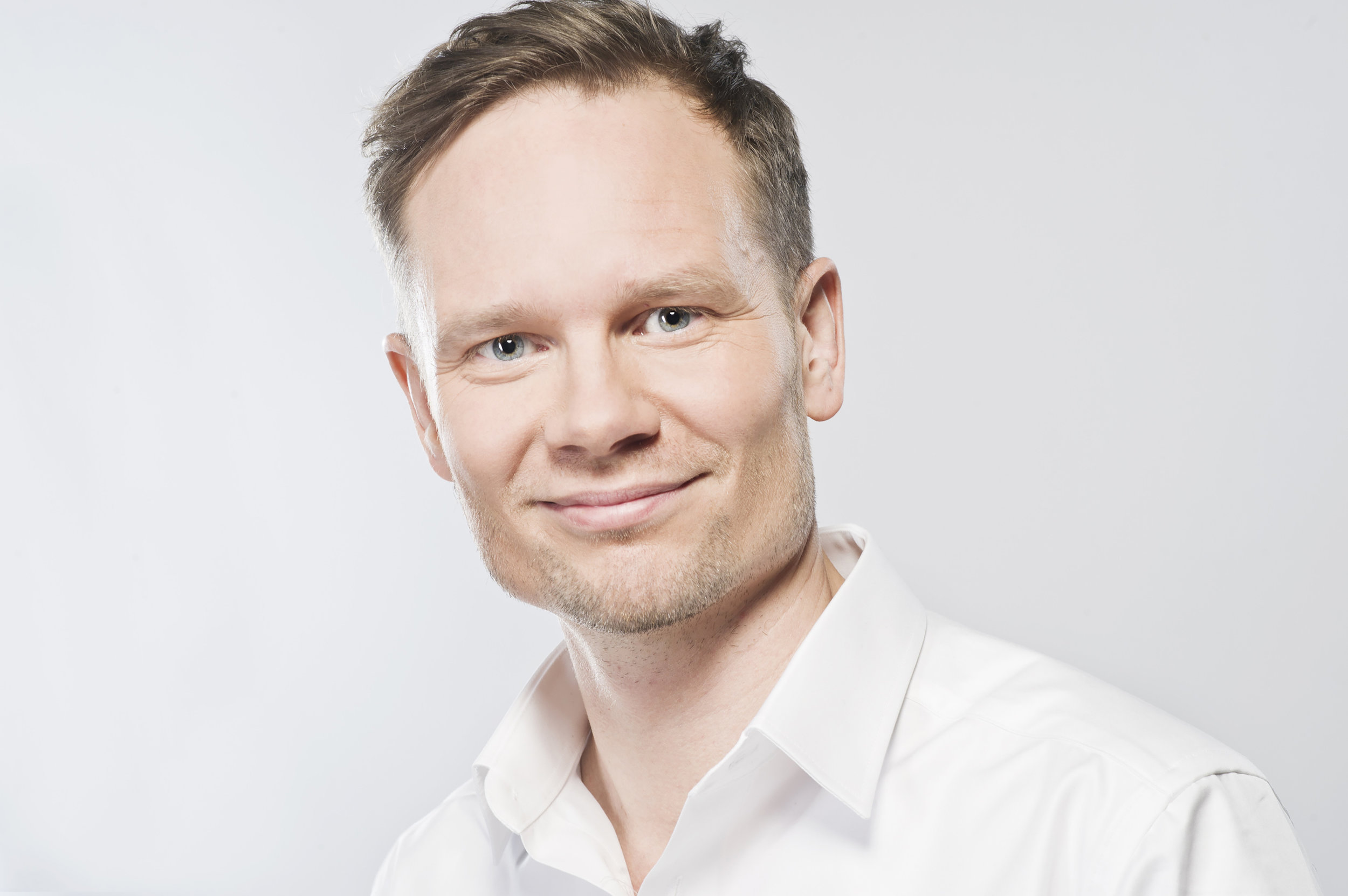 Risto Kuulasmaa - Risto is an entrepreneur and senior executive in media and events. He doesn't do New Year resolutions, instead, he is interested in long term personal development. In Inner Island he is the coach-in-demand supporting participants' personal or business related dreams coming true.
