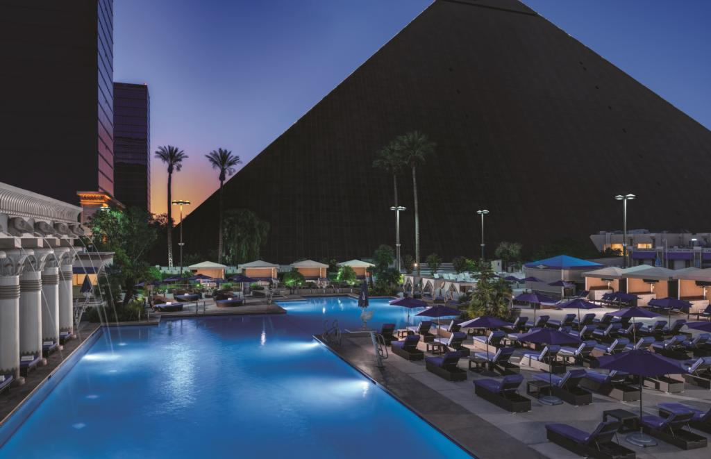 luxornorthpoolnight_resized_low.jpg