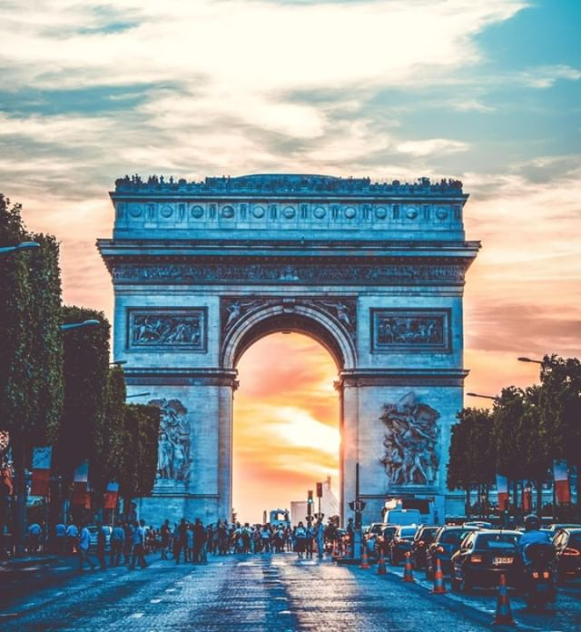 How about Paris?  We've got a beautiful selection of hotels to choose from that will delight every budget. And don't worry if you have to cancel last minute—all our last-minute reservations come with FREE same-day cancellation.  https://zcu.io/2qAc
