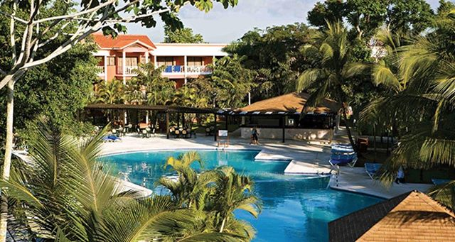 Enjoy all-inclusive relaxation for less than $40  per day!  That is right, Our best deal yet! The BelleVue Dominican Bay in the Dominican Republic 🇩🇴. A family-friendly all-inclusive resort that brings the best of Boca Chica 🏖  https://www.gobumpfree.com/deals/dominican-bay