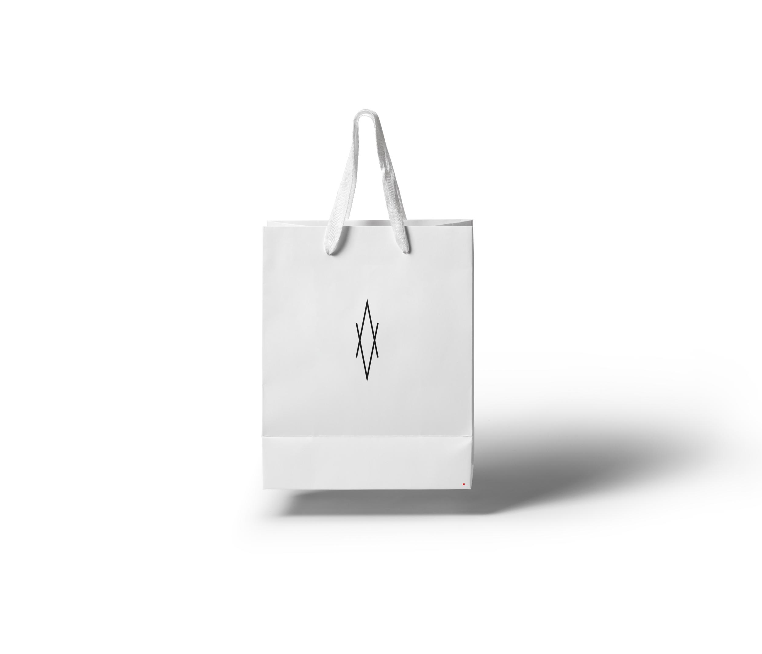 Gravity-Shopping-Bag-Mockup.png
