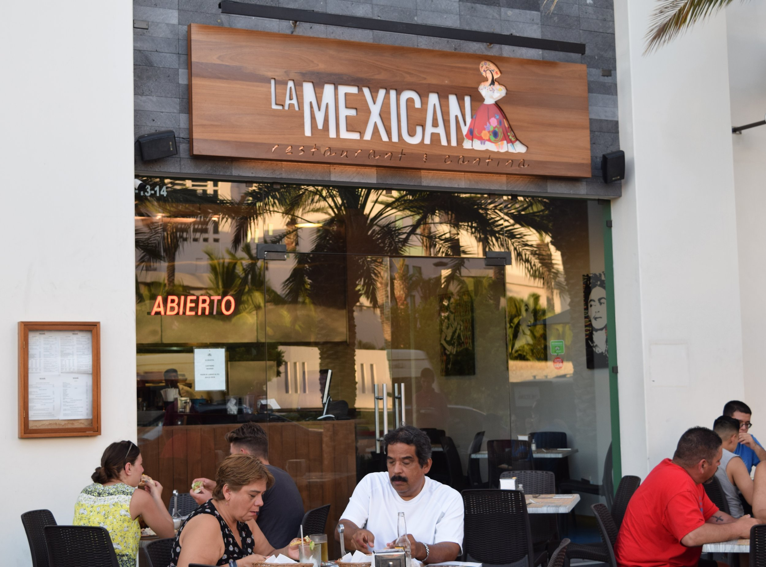 LA MEX EXTERIOR.JPG