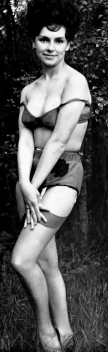 Rosanne Stuart - 1.jpeg