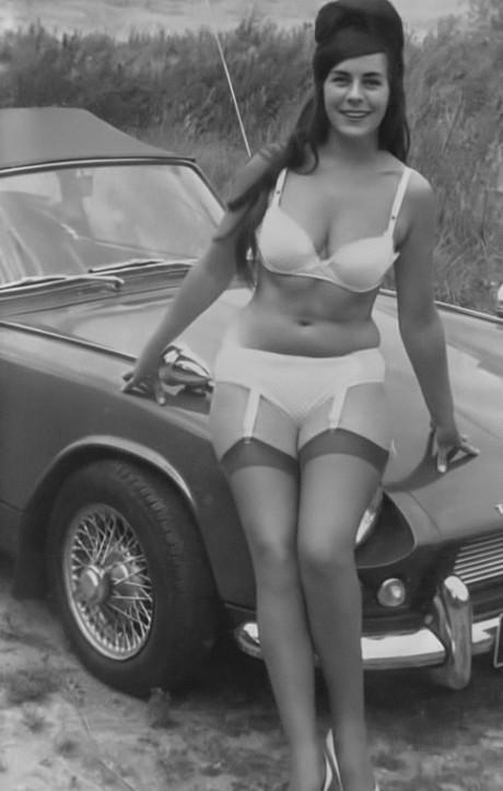 Angela Bond - 1.jpeg