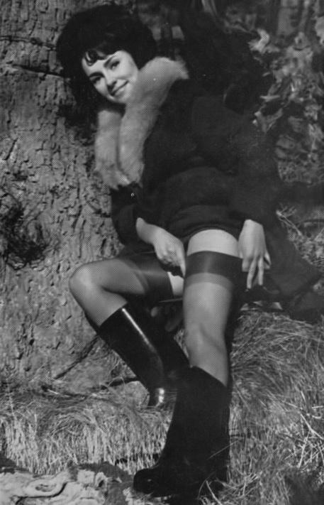 Rosanne Stuart - 6.jpeg