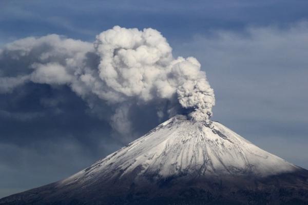 The Popocatépetl volcano in Mexico