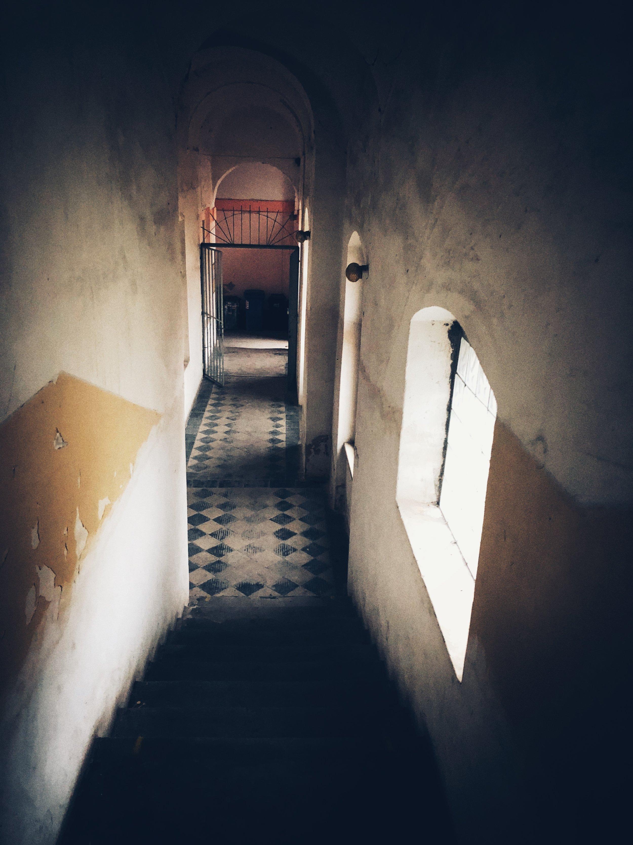 barracks, interior