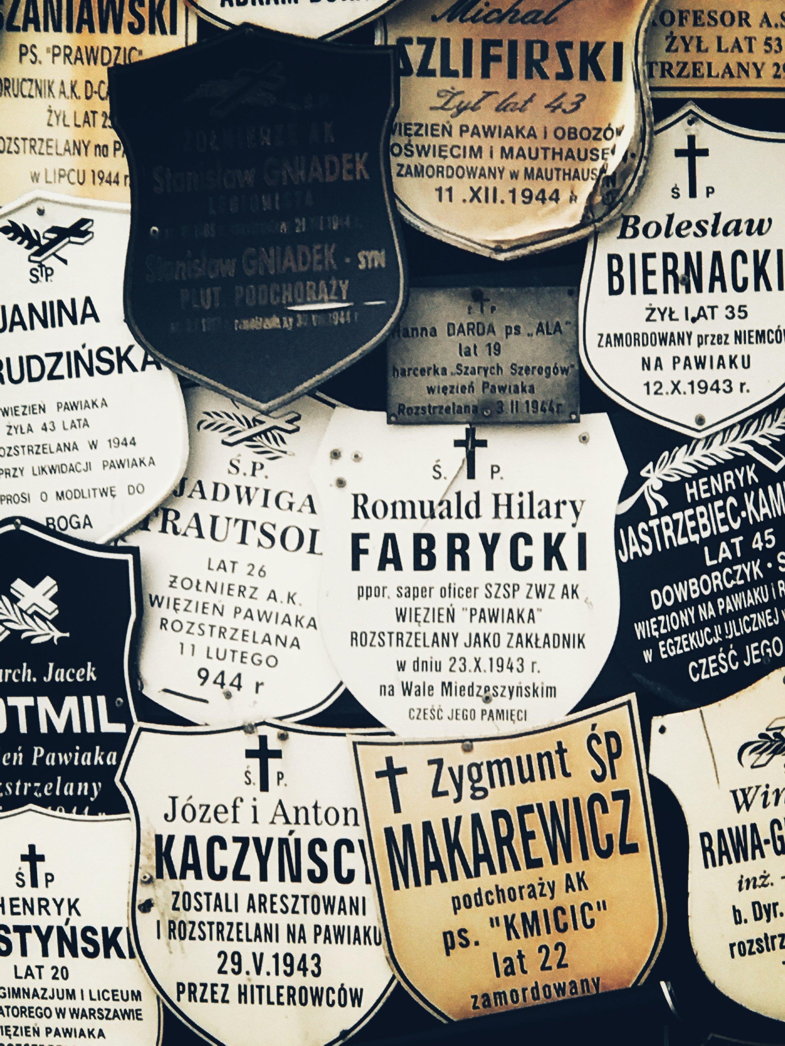 memorials at pawiak