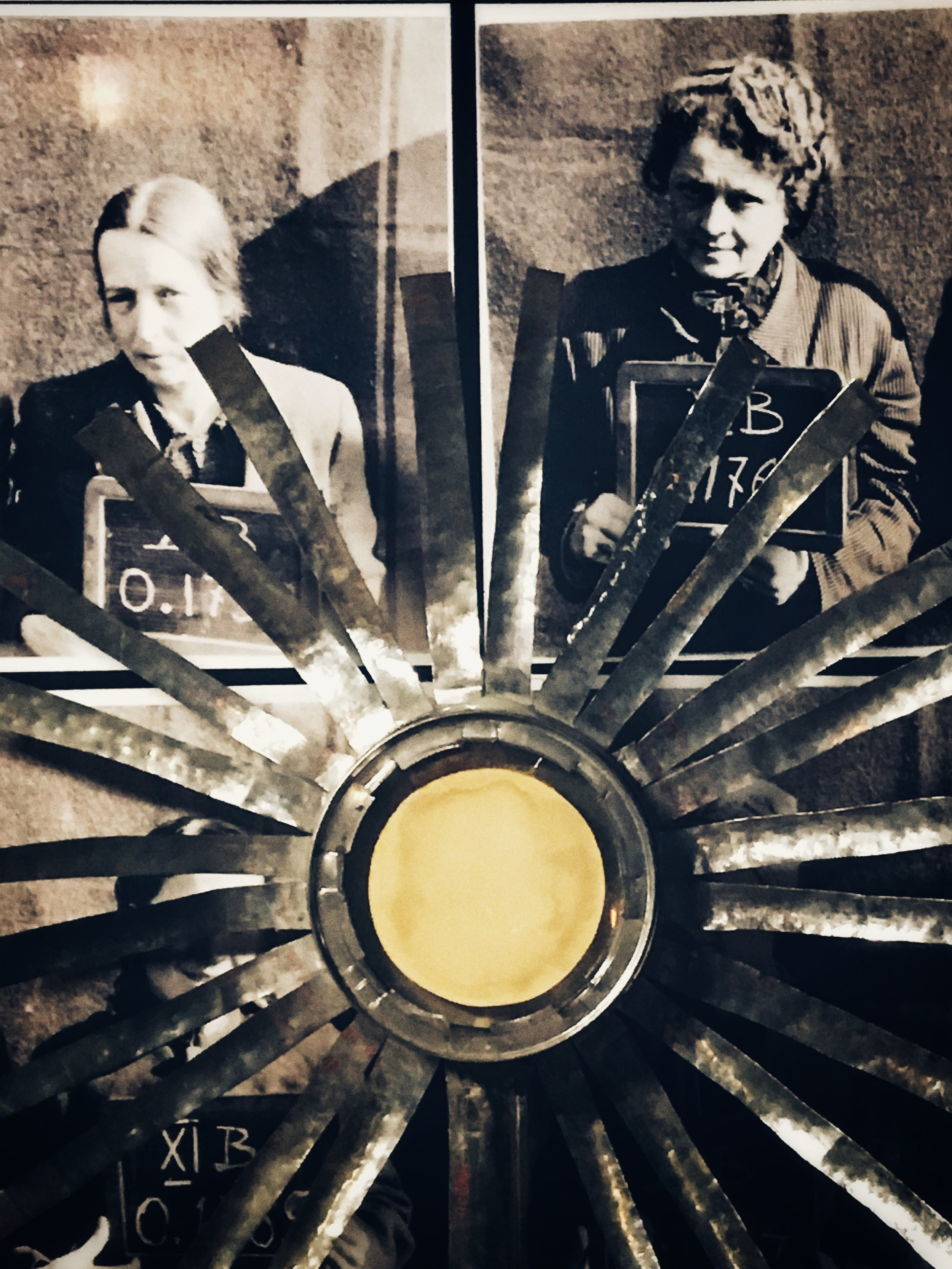 display in the warsaw uprising museum