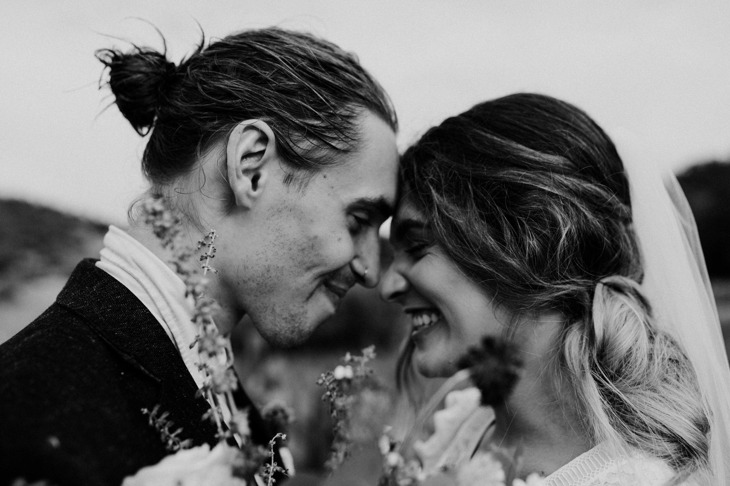 garden of the gods elopement wedding (6 of 12).jpg