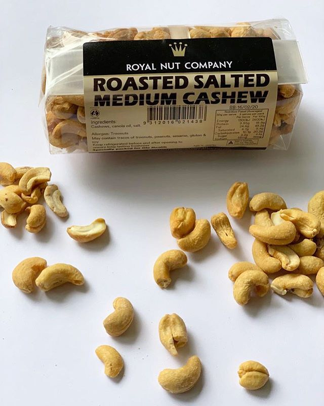 Go nuts over our range from the royal nut company!! Mix them up for a great snack to get you through the day 🥜  ___ #Royalnutcompany #almonds #cashews #peanuts #goodfats # healthytreat #snack #melbourne #healthfood #glohealth #elsternwick #snack #elsternwickvillage #healthy #melbournehealthfood #shopsnacks #healthyeats