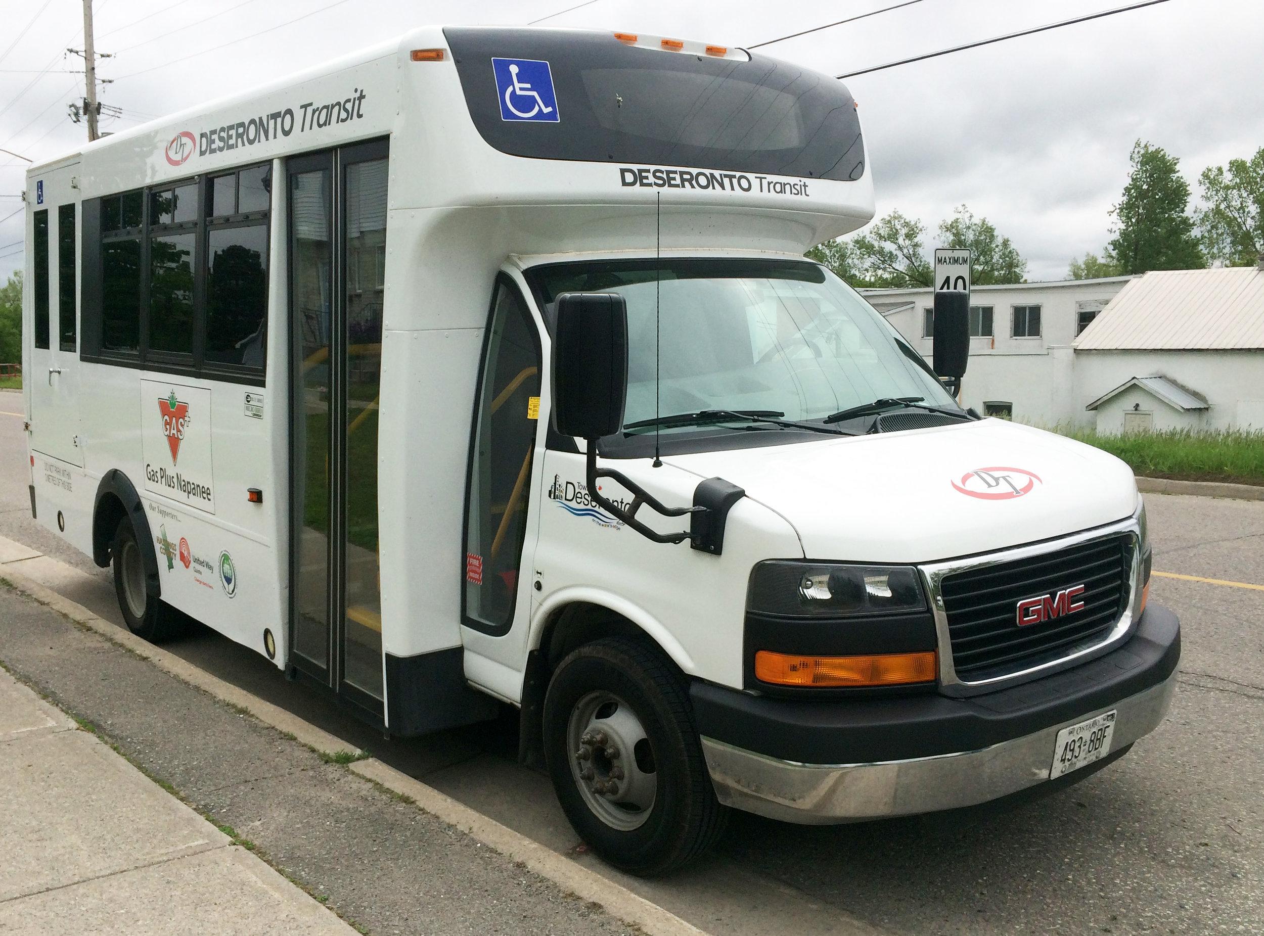 Deseronto-transit-bus
