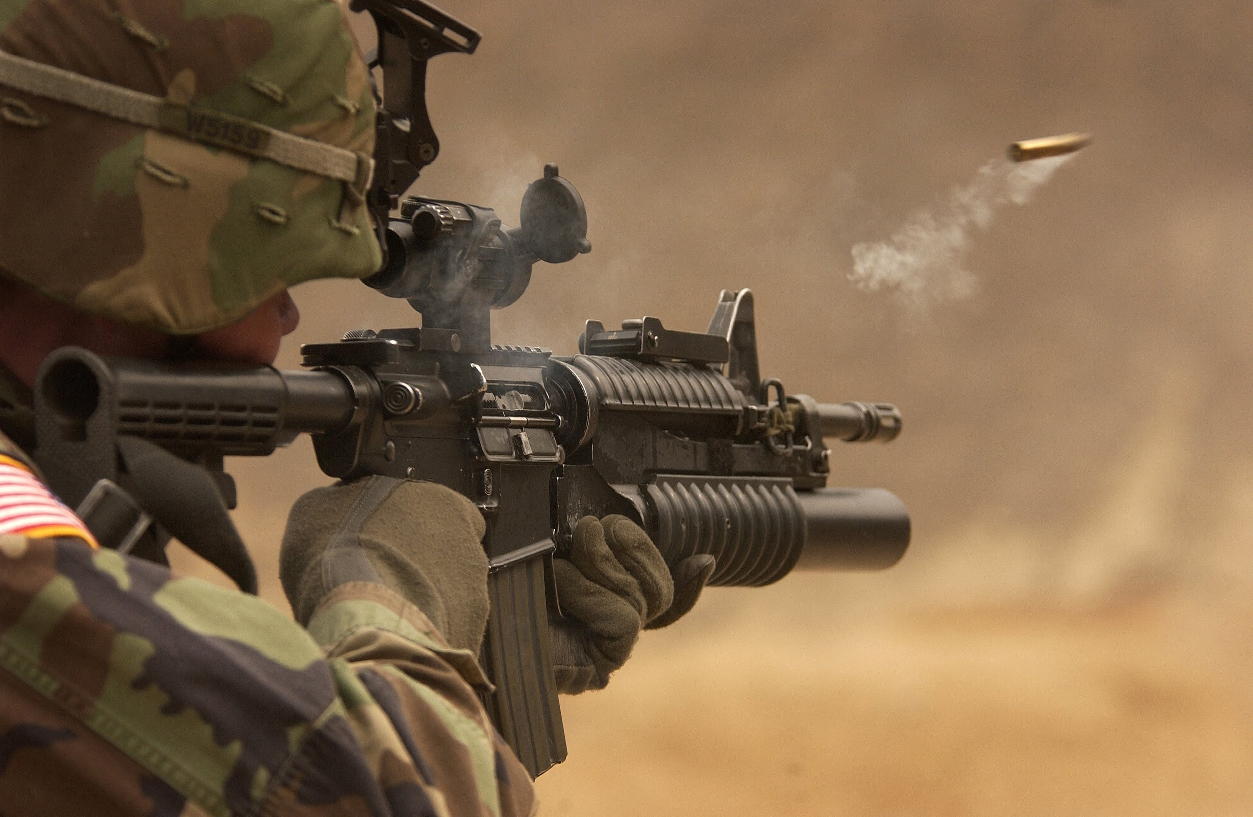 automatic-weapon-bullet-camouflage-78783.jpg