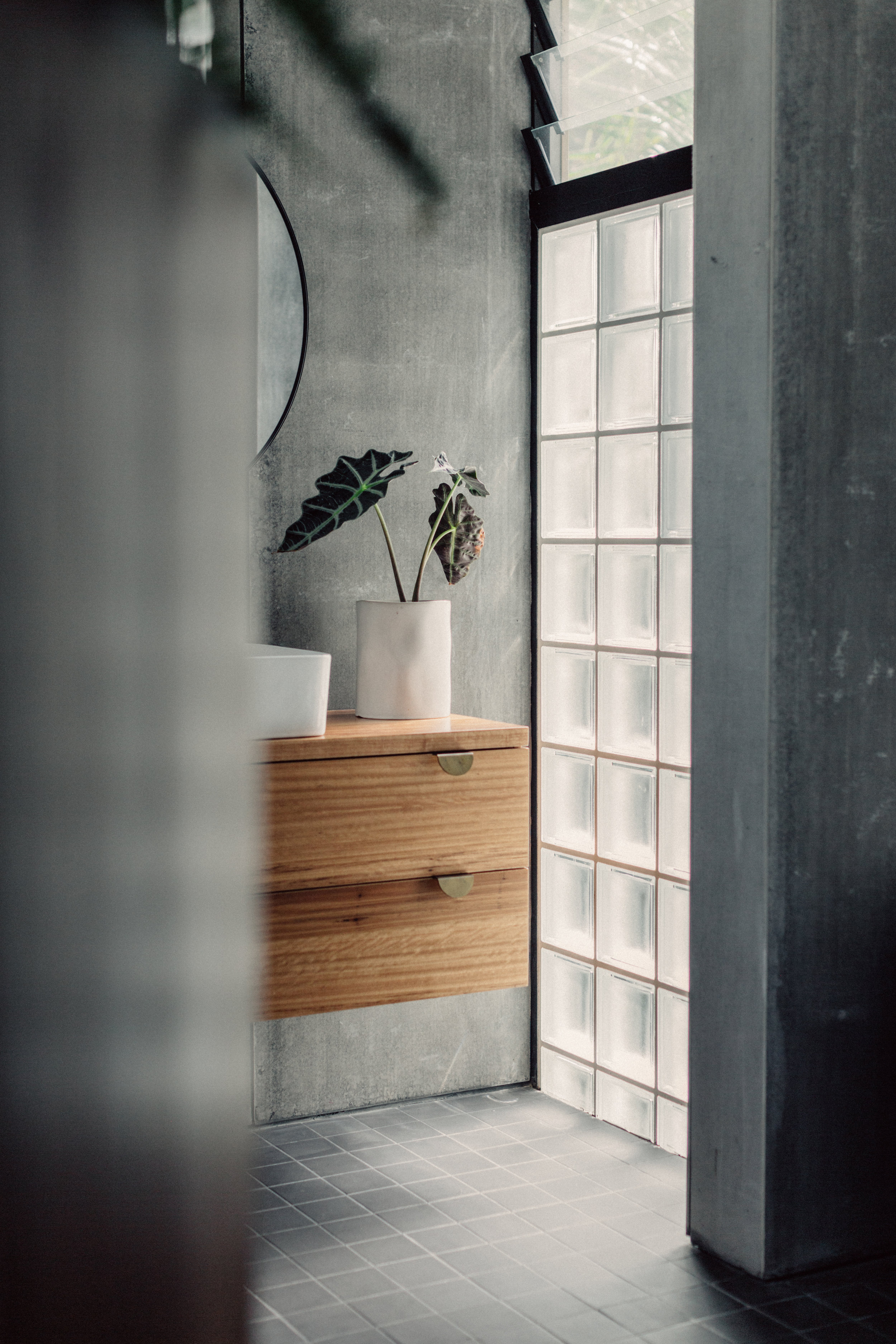 Takt Coledale Blade House bathroom glass blocks.jpg