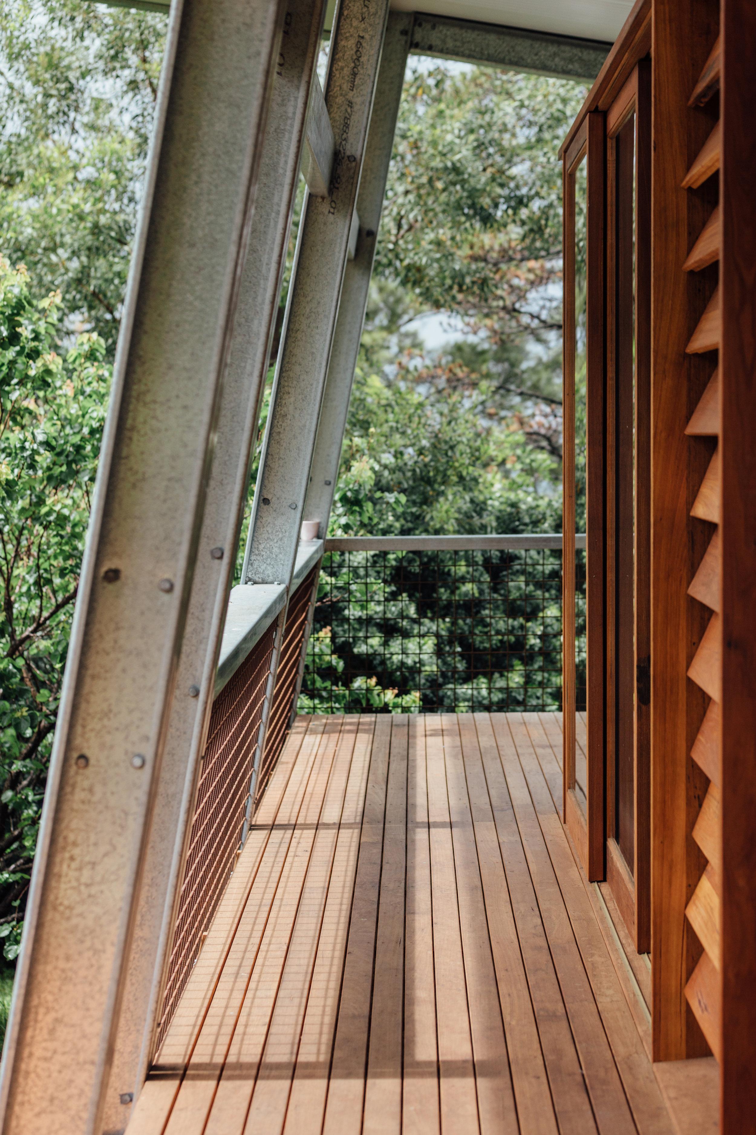 Takt exoskeleton house louvres balcony.jpg