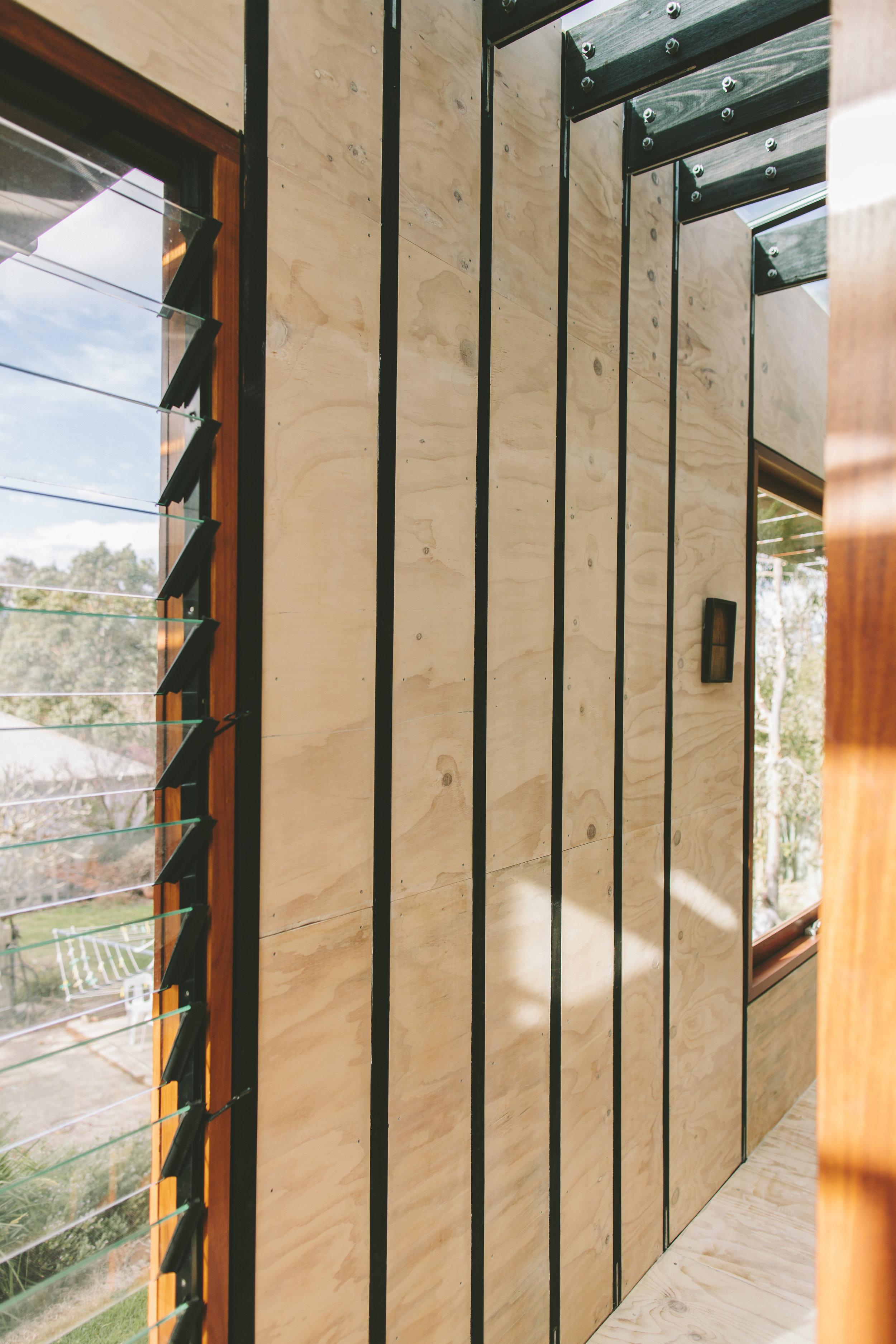 Takt pod granny flat plywood lining