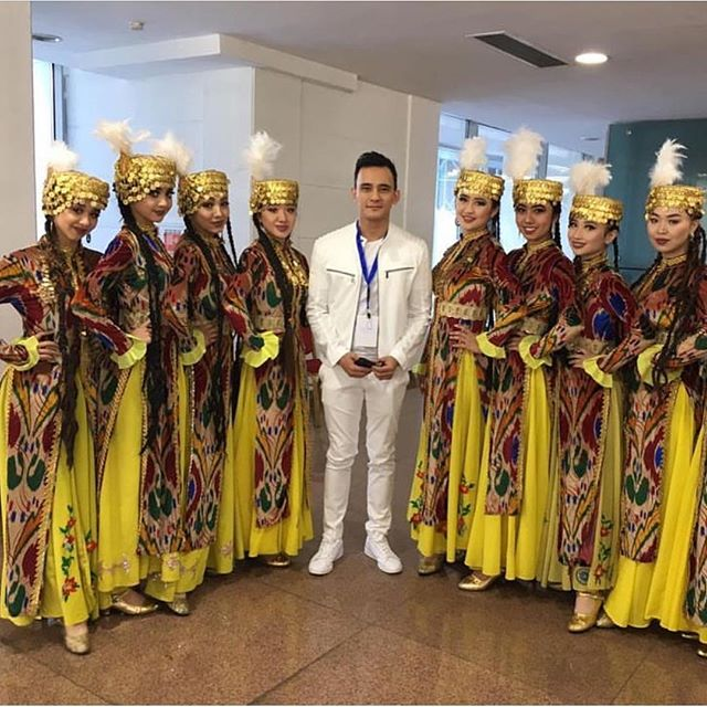 Uyghur dance performance group keeping our culture alive💃🏻 #repost @ansambl_irada
