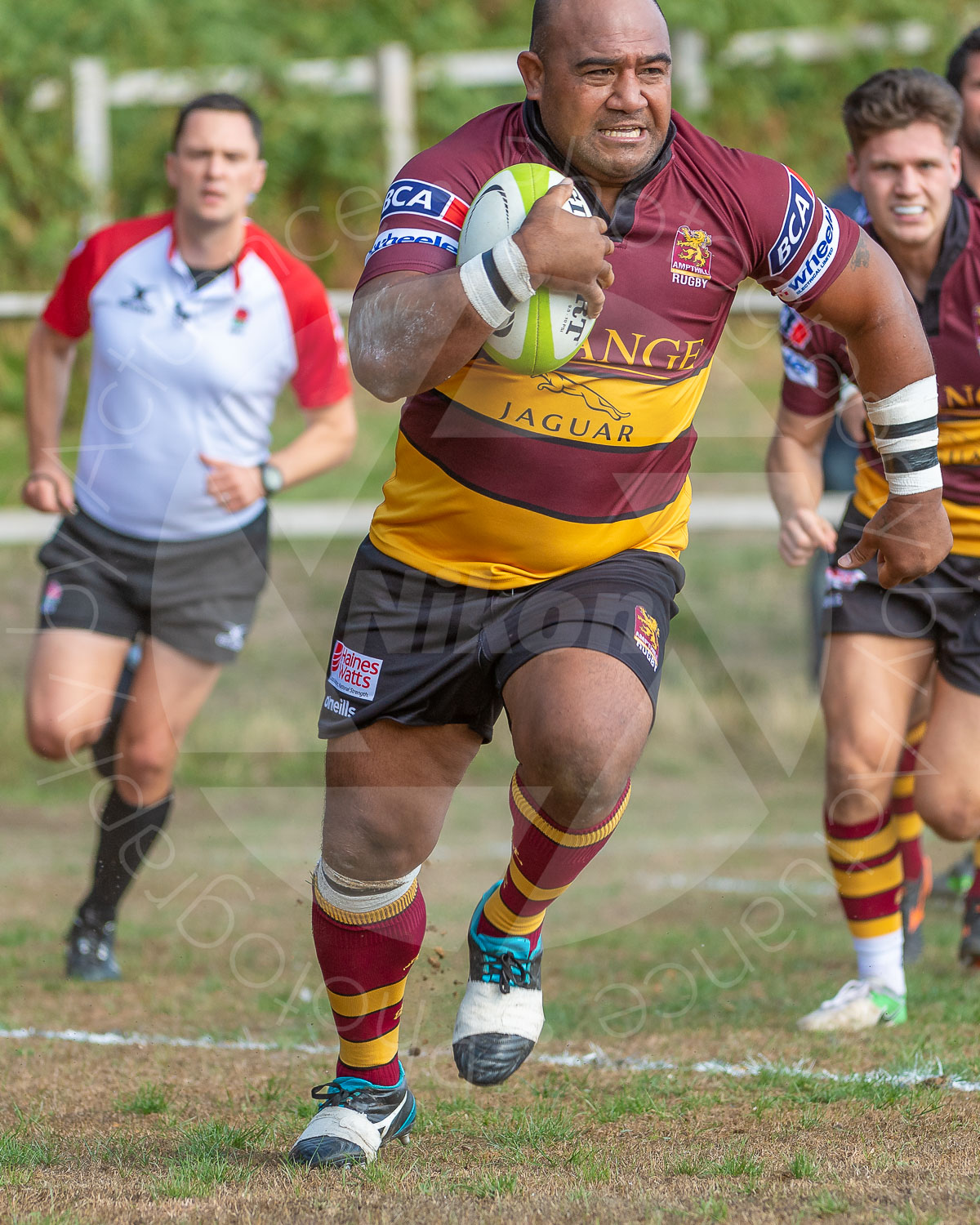 Aleki Lutui running in an early try (Photo: Iain Frankish, Actuance Photography)