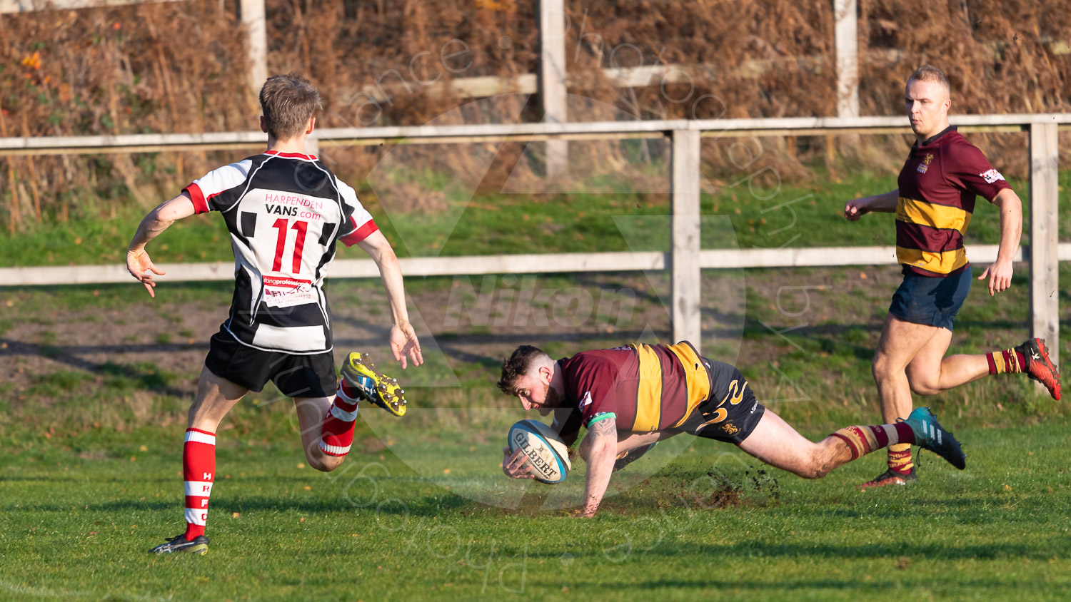 The ultimate in sportsmanship - Self tackle by Will Norford (Photo: Iain Frankish, Actuance Photography)