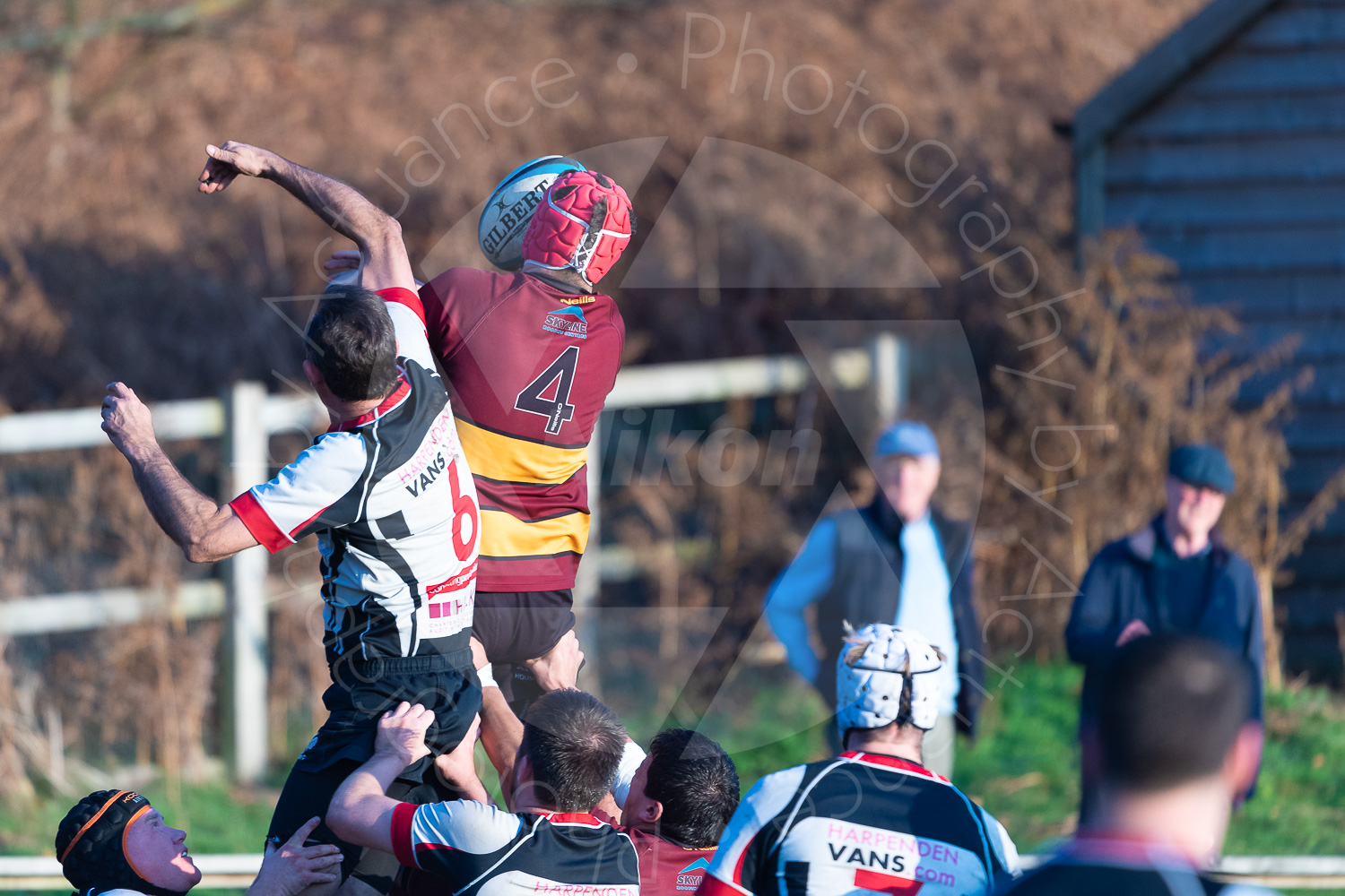 George Adamnson debuts a new lineout technique… (Photo: Iain Frankish, Actuance Photography)