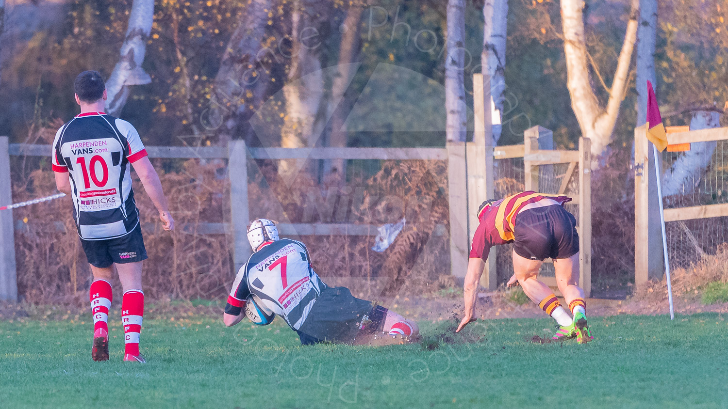 Showing they know how to do it, Harpenden #7 crosses the line! (Photo: Iain Frankish, Actuance Photography)