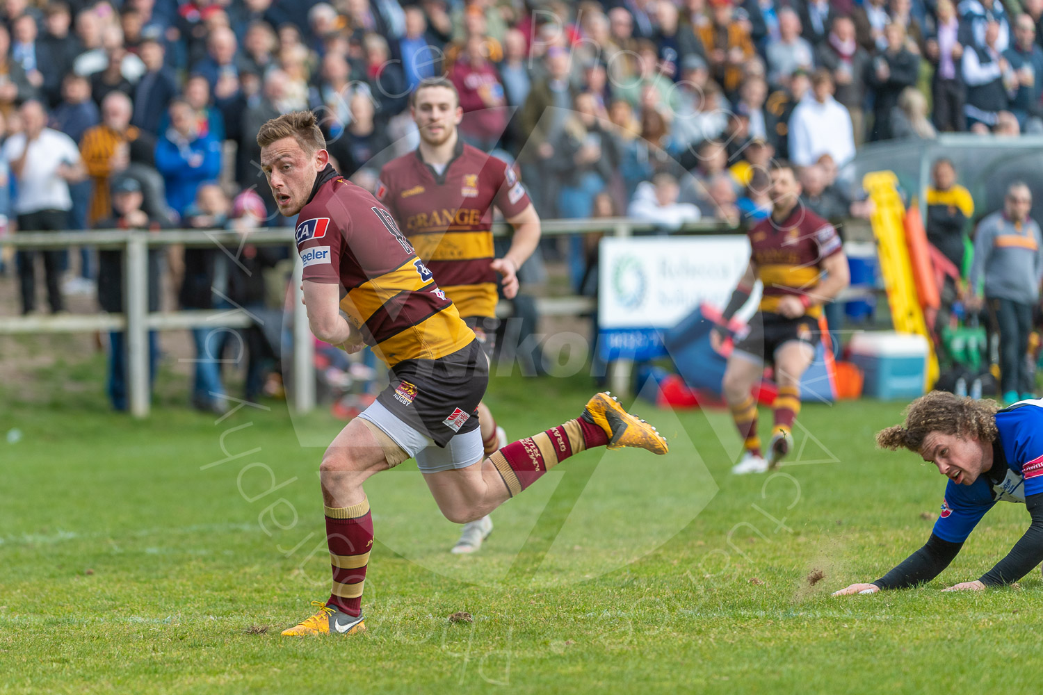 Josh Sharp  slipping through the defences and heading for the line.... (Photo: Iain Frankish, Actuance Photography)