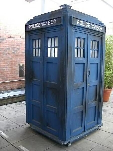 The Tardis (photo by  Zir, Wikimedia Commons )