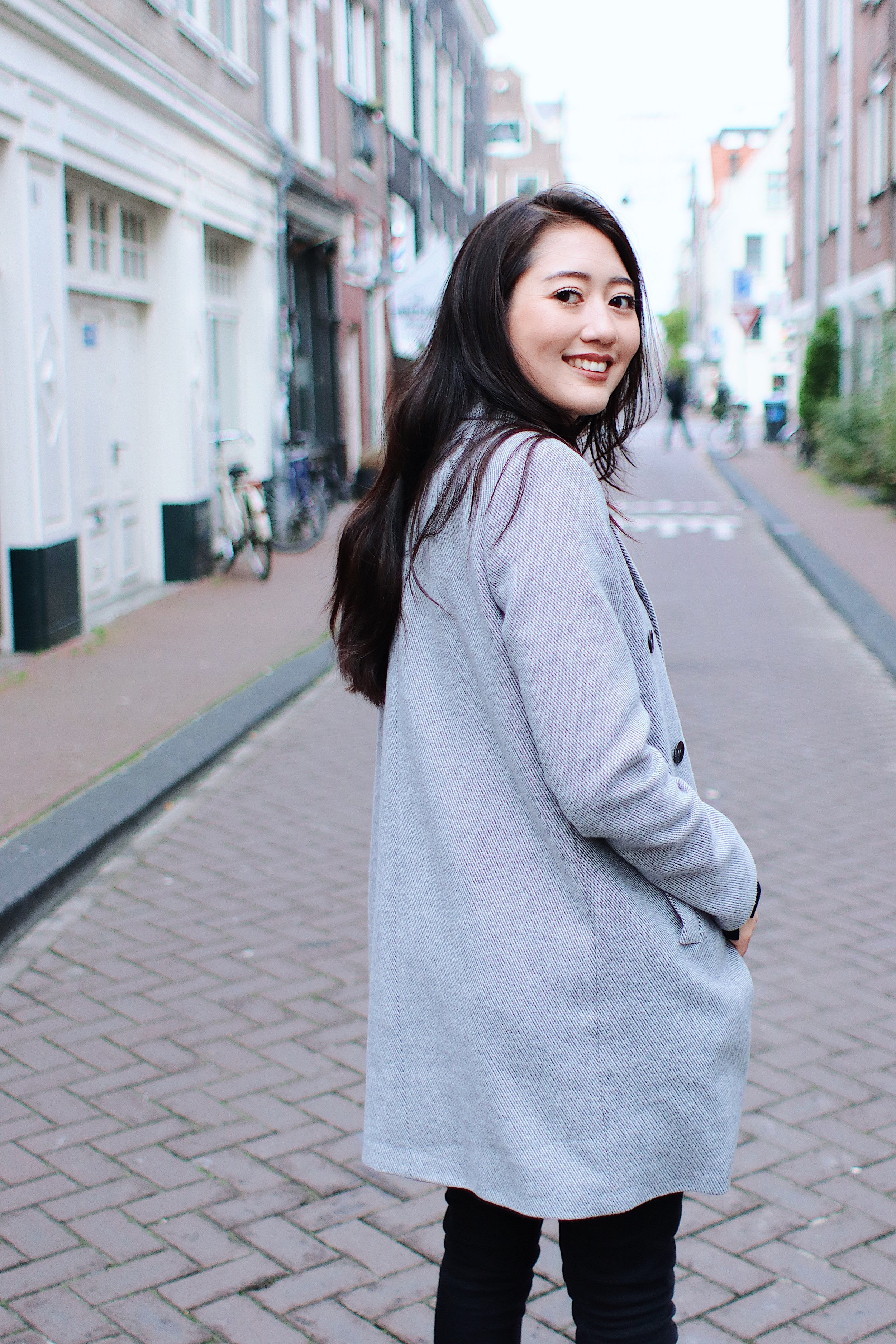 Photo Session in Amsterdam - Put on your favourite outfit and follow me through the scenic (and some secret) streets of Amsterdam, while I photograph that pretty face of yours!