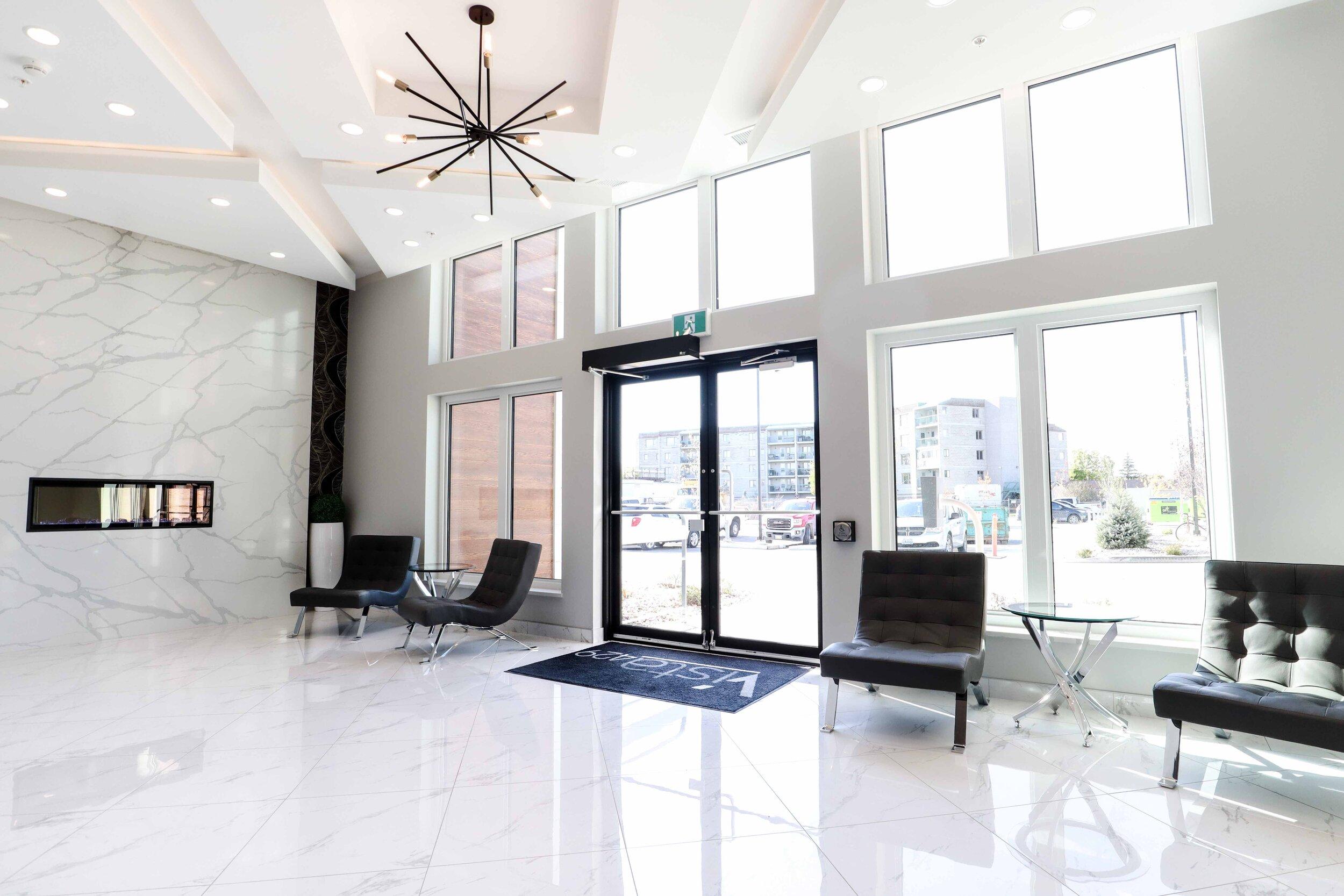 1 - lobby.jpg