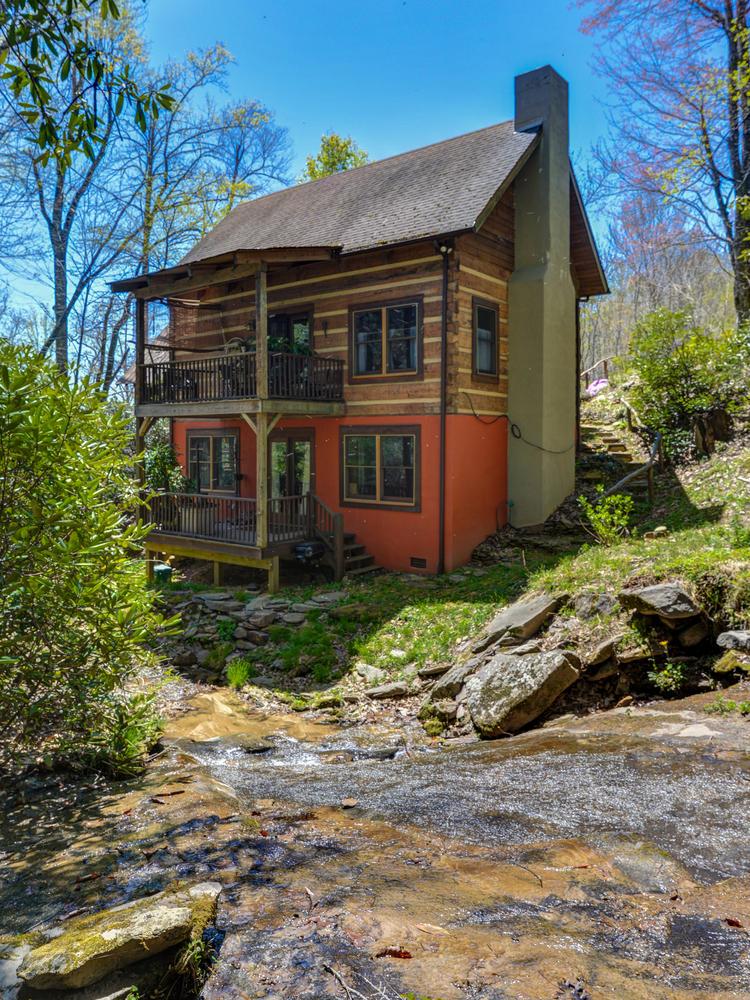 The Waterfall Cabin -