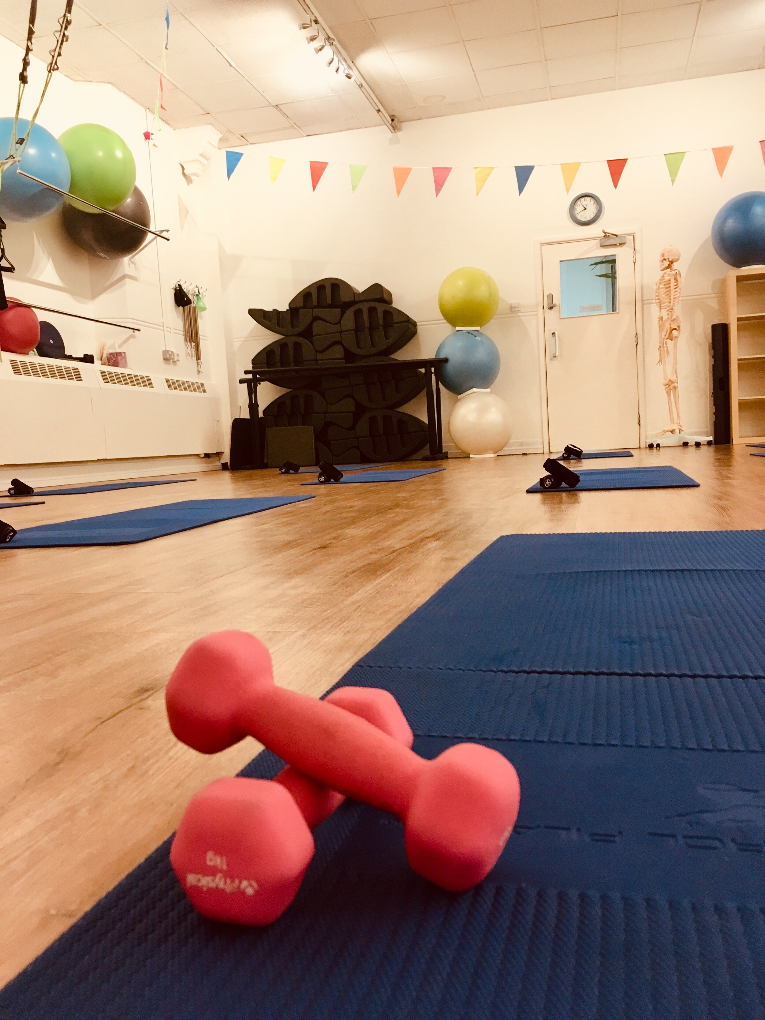 6 WEEK COURSE: - 1 hr Initial Core Restore Assessment6 Weekly 1 hour sessionsMaximum 6 people per classHomework videosEmail supportA fitness pack20% off Massage Voucher£10 off appointment price with Pelvic Health Physiotherapist, Debbie Dillon