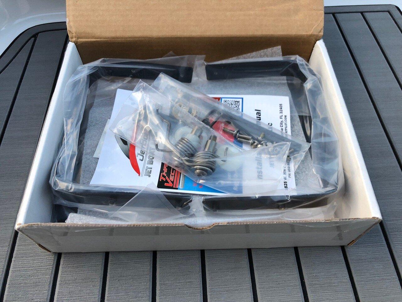 JetBoatPilot Thrust Vector XV Box (Open)