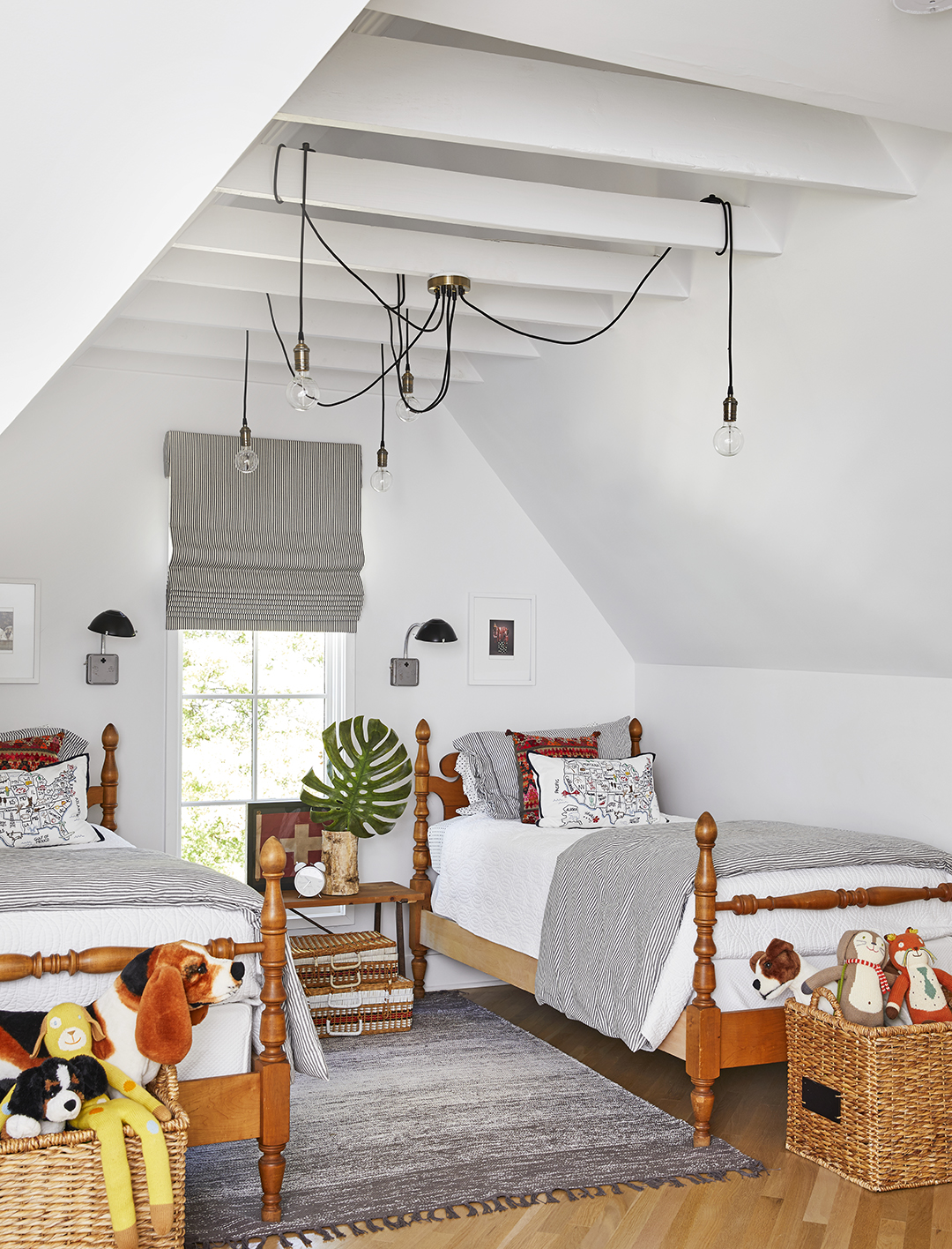 boys-bedroom-with-corded-lights-on-rafters-3d2eb9a5.jpg