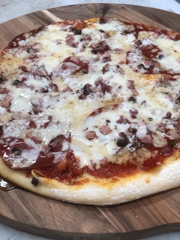 Deminicos Pizza.jpg