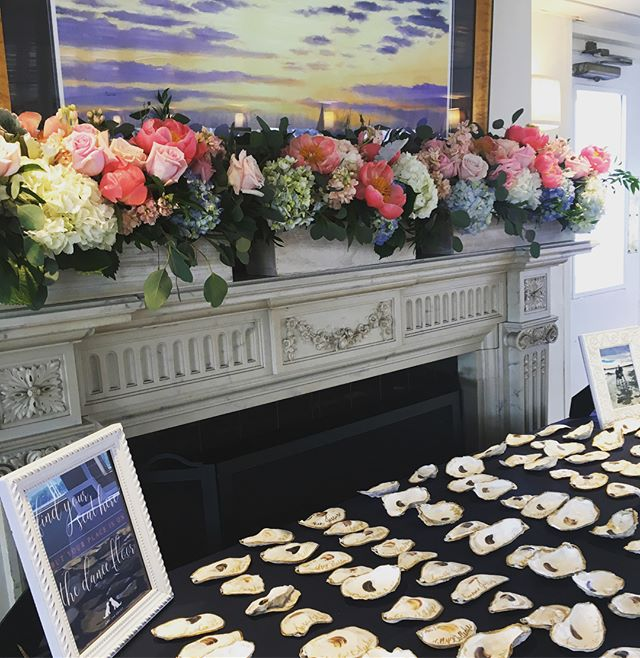 Oyster shells are trending this summer! #placecards #nauticalwedding