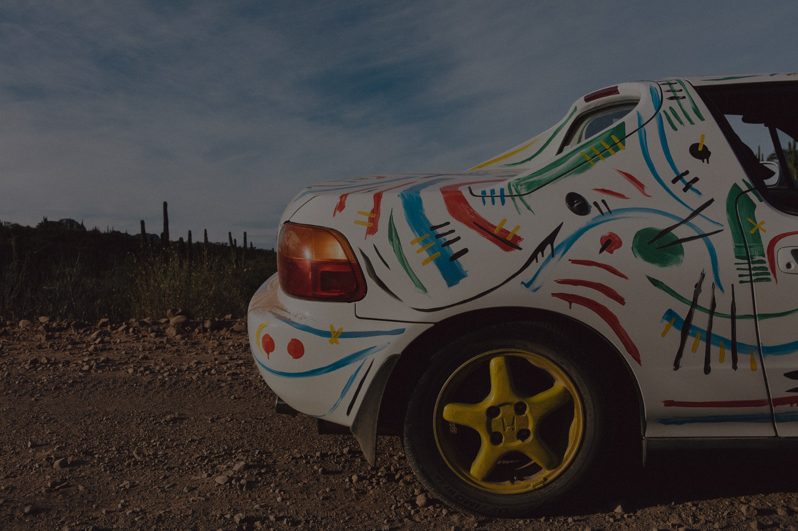 Destination del sol - A Journey Through Baja in a Wildly Painted Honda