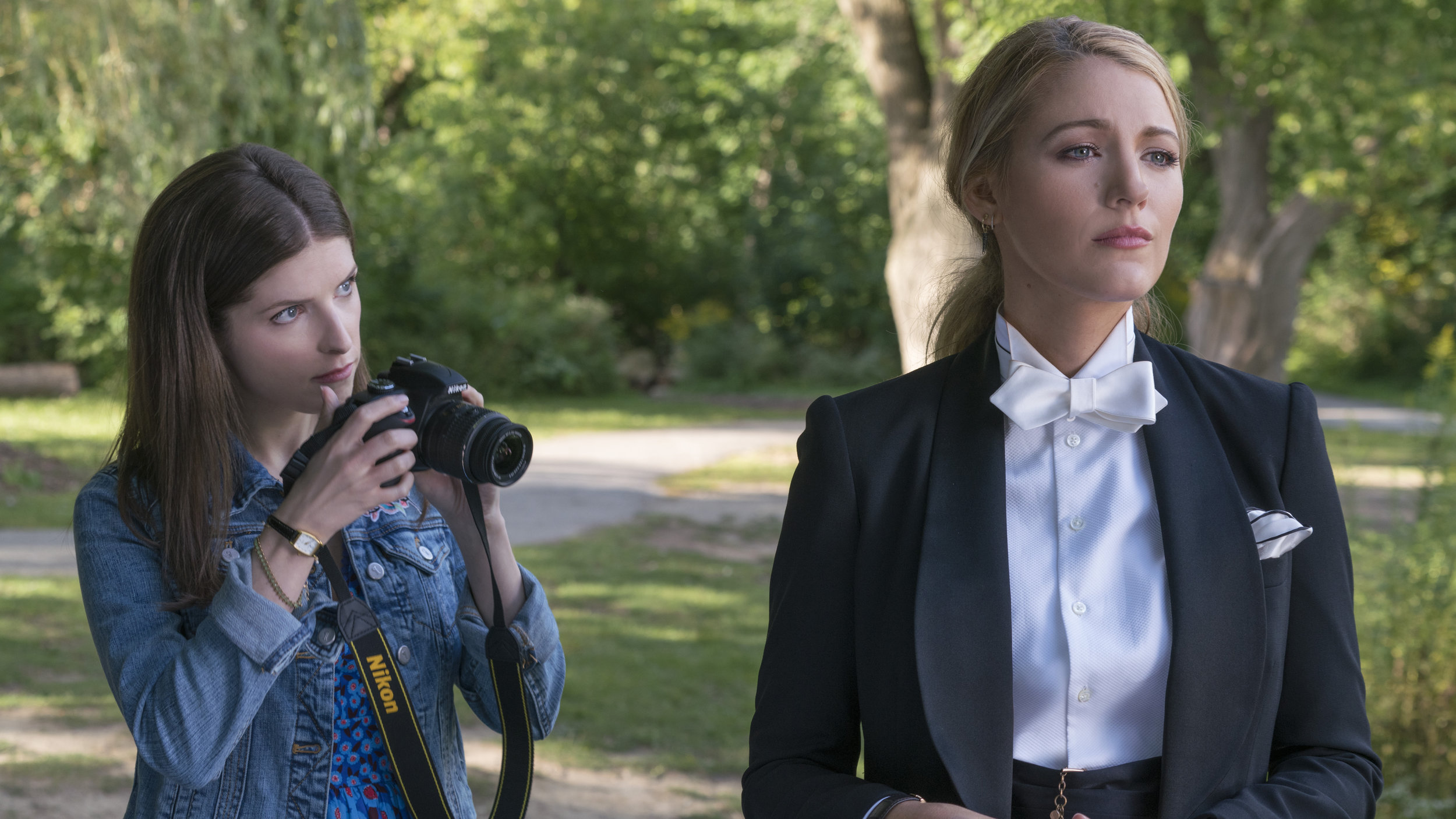 """Stephanie Smothers (Anna Kendrick, left) learns secrets about her new friend, Emily Nelson (Blake Lively), in the thriller """"A Simple Favor."""" (Photo by Peter Iovino, courtesy of Lionsgate)"""
