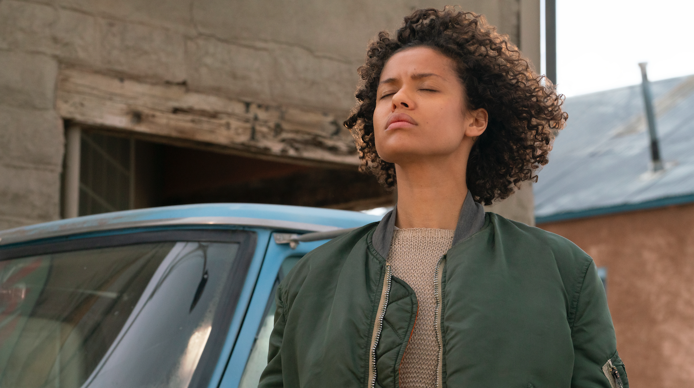 """Ruth (Gugu Mbatha-Raw), a woman with special powers, stands up to government agents in the thriller """"Fast Color."""" (Photo courtesy Codeblack Films / Lionsgate.)"""