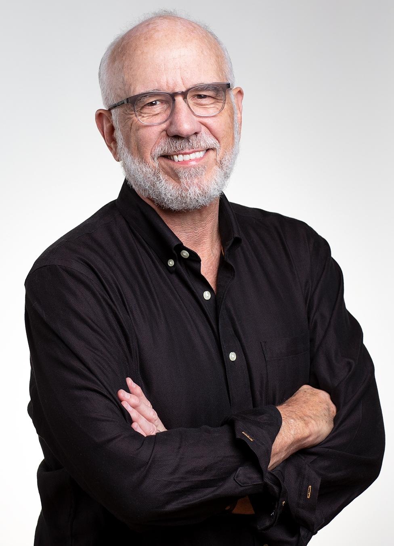 Dr. Bob6992.jpg