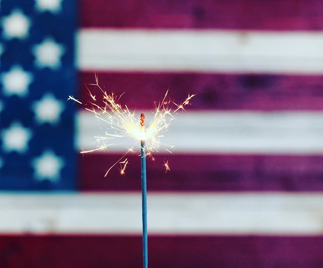 Here is to a very happy #FourthofJuly! #celebrate #hawaiimom #hawaiiphotographer #independenceday