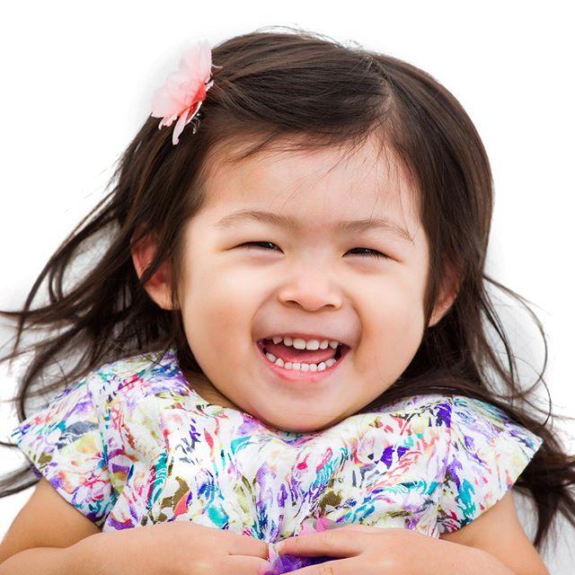 #Smile because it's #Monday! #goodmorning #familyphotographer #hawaiiphotographer #hawaiimom