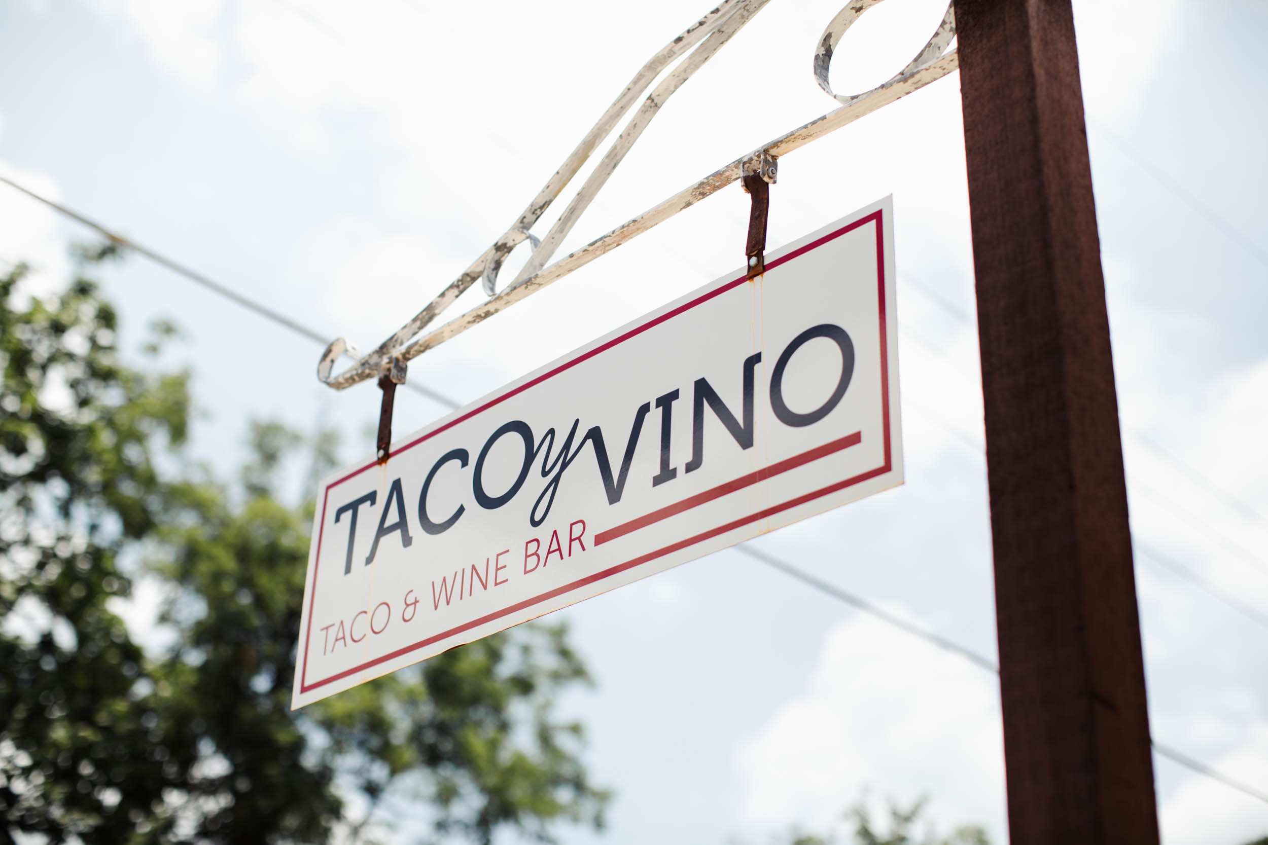 Pre-event Pickup - Get your wine glasses and tokens early!When: Saturday, July 13 from 2:00 p.m. - 6:00 p.m.Where: Taco y Vino, 213 W. Eighth St.We'll be inside and ready to admit you. Please note: You will still need to get your ID checked at the event, before receiving a wristband Thank you!