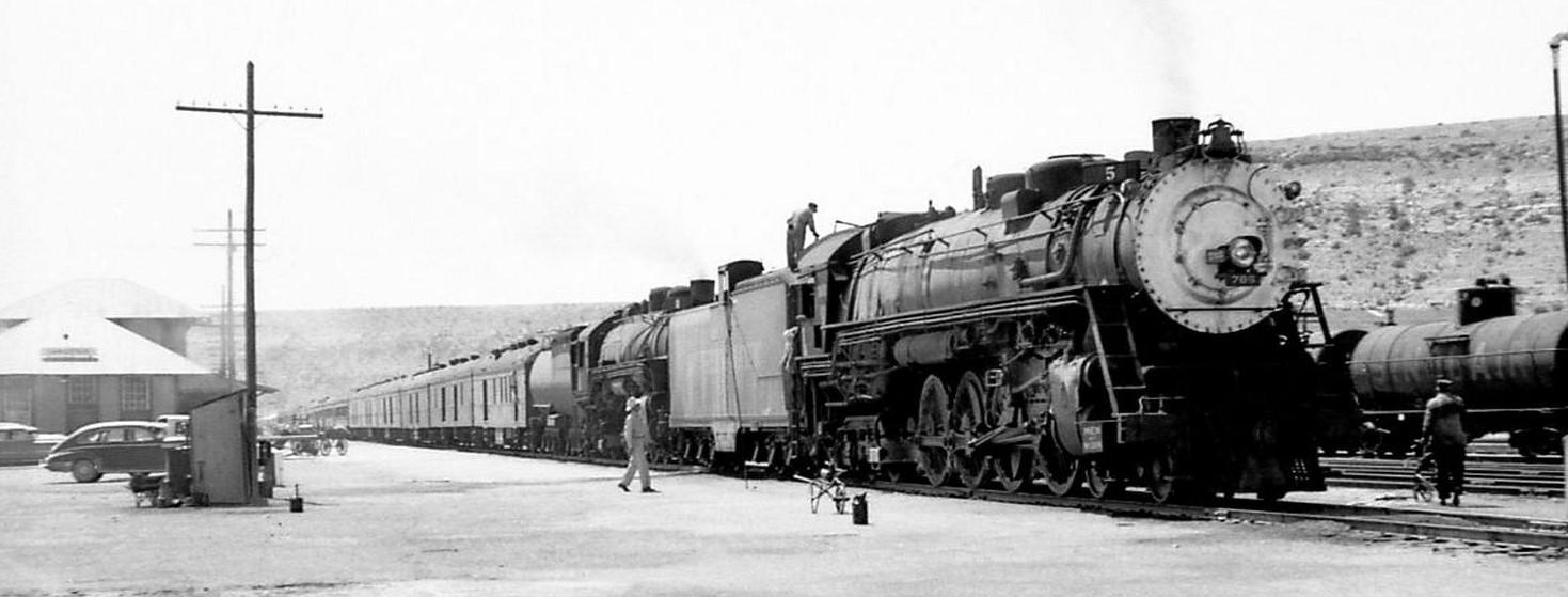Trains Coming through Sanderson