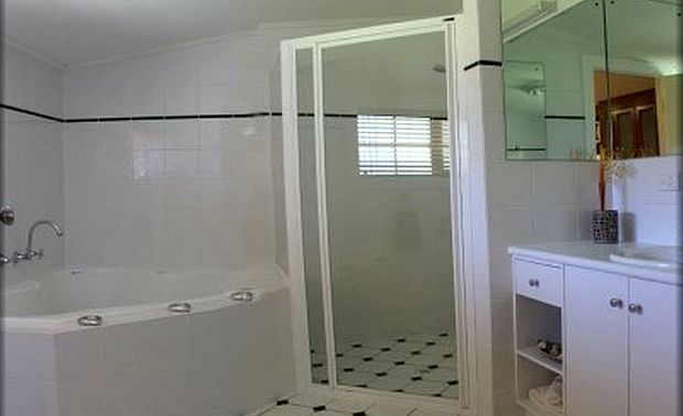 Georgies Bathroom.jpg