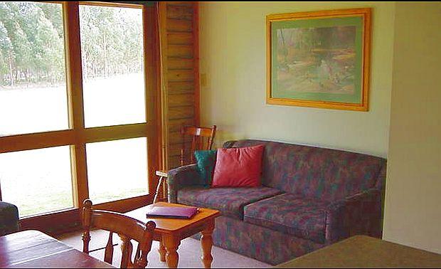 Murrays Lounge.jpg