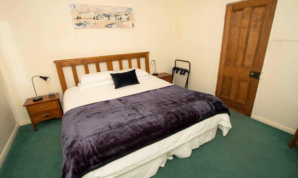 skinners-bedroom-1.jpg