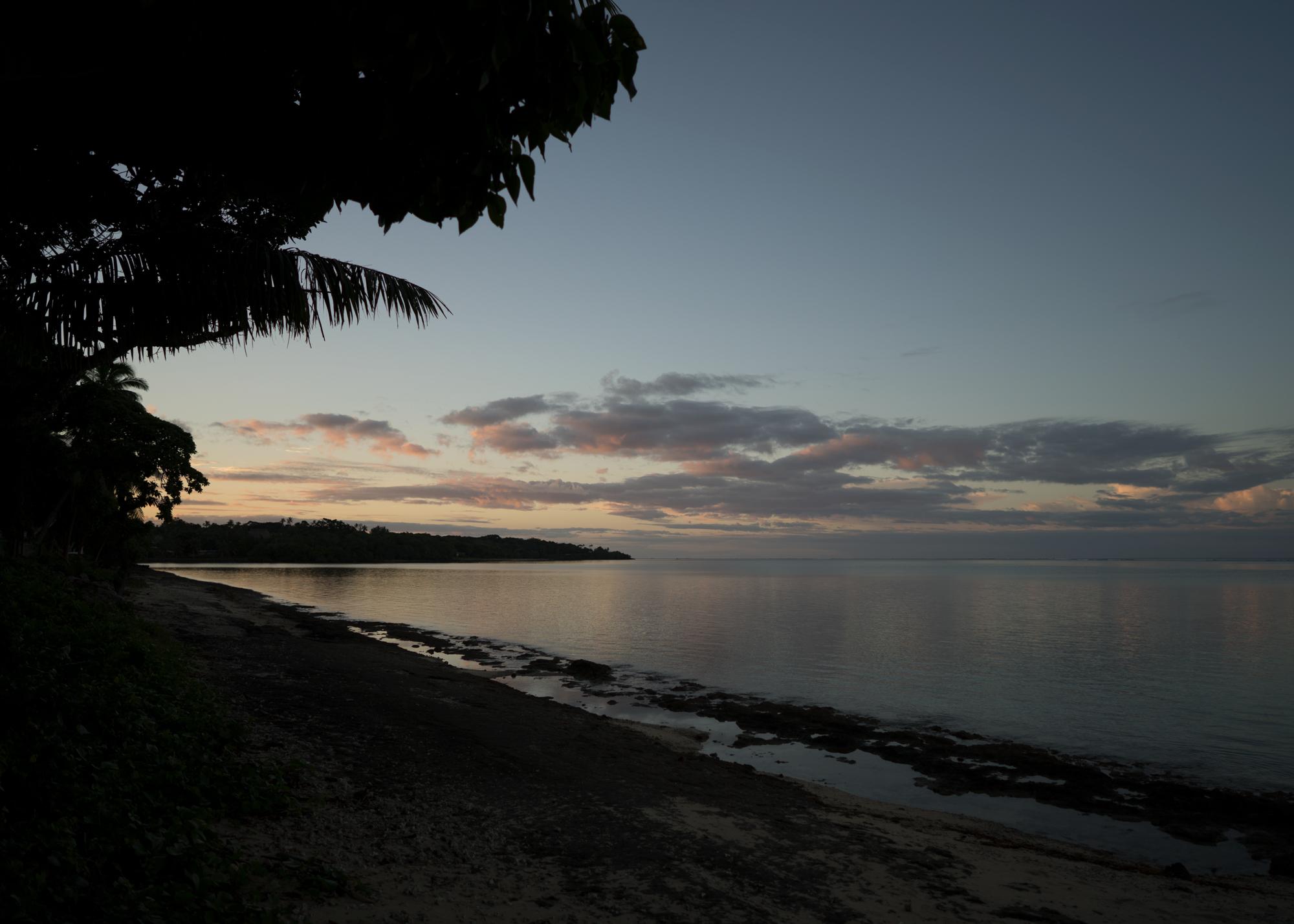 Away-Lands-Presets_Sunset-2-Before.jpg
